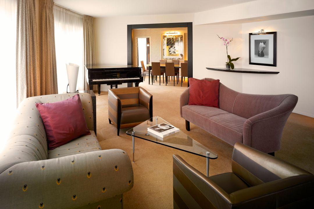 Guestroom Living Room