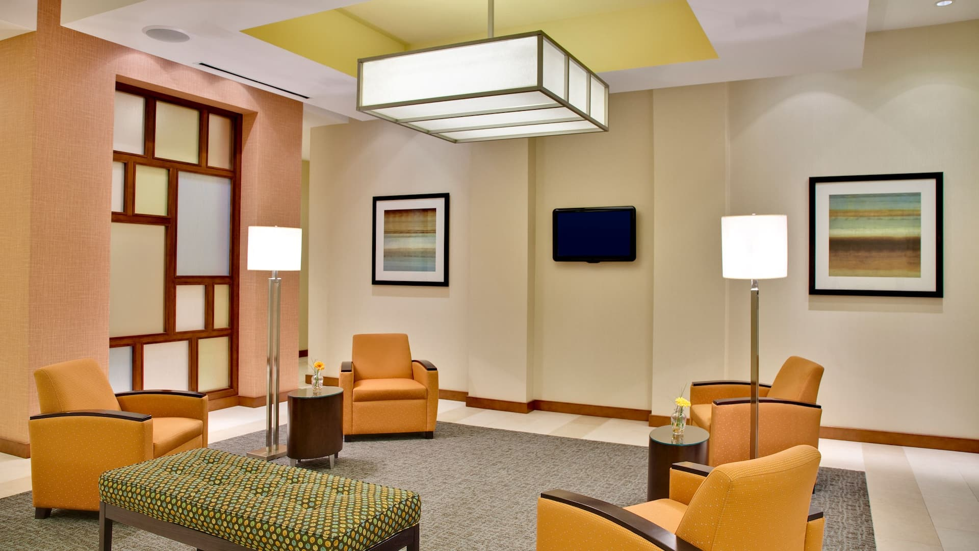 Hyatt House Fort Lauderdale Airport & Cruise Port seating area