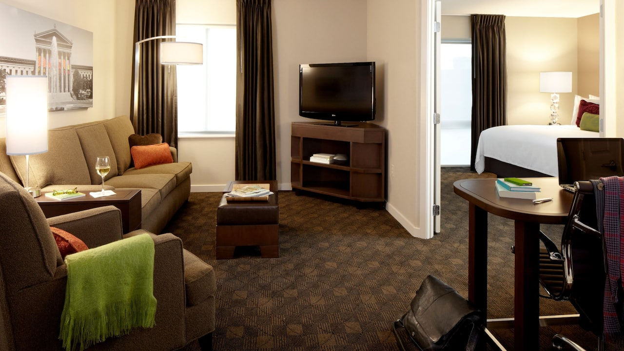 HYATT HOUSE KING OF PRUSSIA Suite Rooms | King One-Bedroom