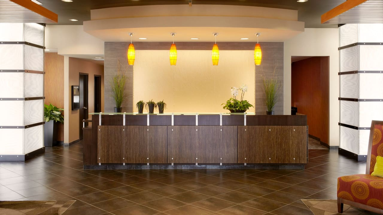 Modern Hotel Lobby in King of Prussia, PA – Hyatt House Philadelphia/King of Prussia