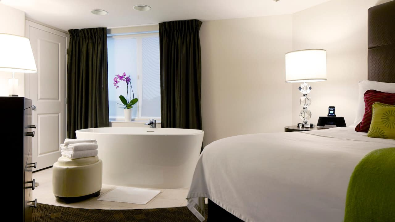 HYATT HOUSE KING OF PRUSSIA Accessible Rooms | Grand Master Bed & Bath