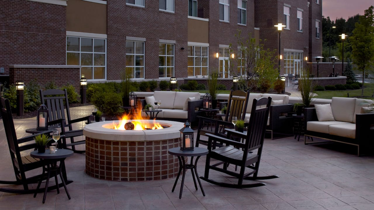 King of Prussia Hotel with Outdoor Fire Pits – Hyatt House Philadelphia/King of Prussia