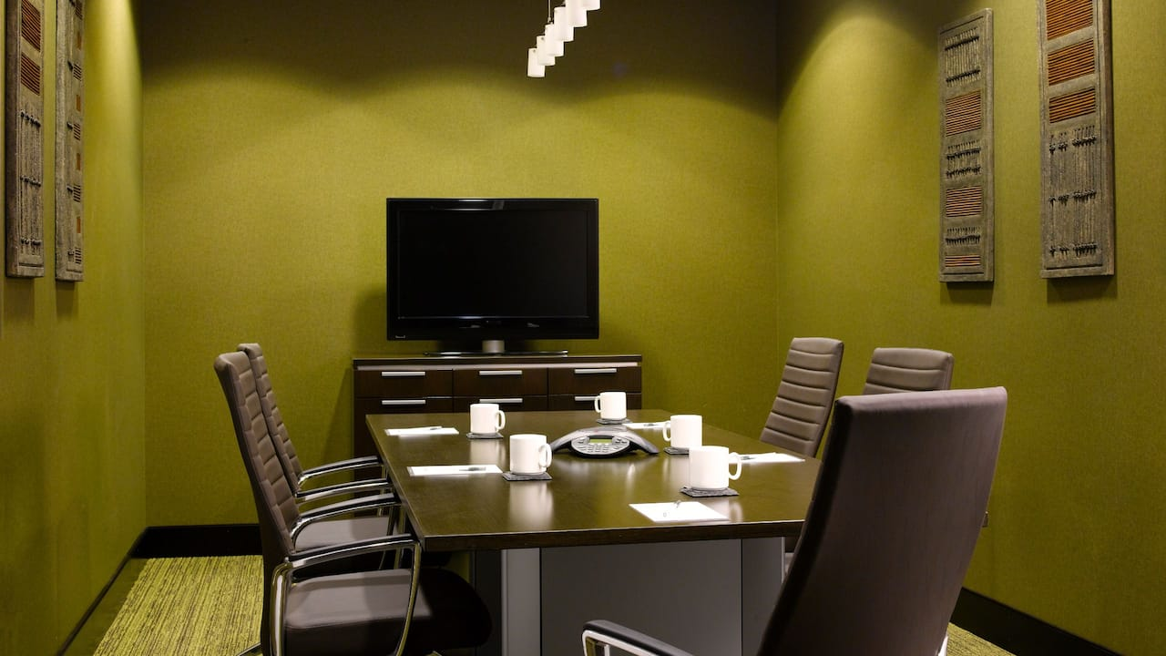 Redmond WA Hotel Boardroom – Hyatt House Seattle/Redmond