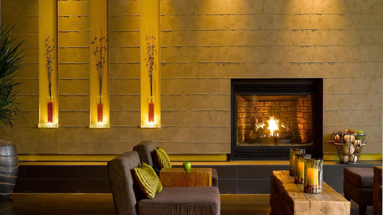 Modern Hotel Lobby in Redmond, WA – Hyatt House Seattle/Redmond