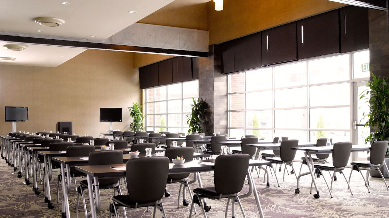Redmond WA Meeting Room – Classroom Setup – Hyatt House Hotel Seattle/Redmond