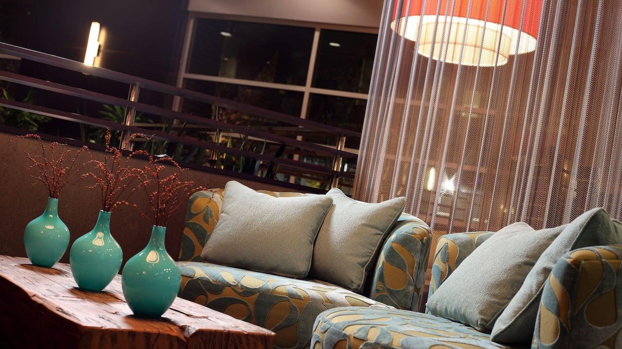 Redmond WA Hotel Lounge – Hyatt House Seattle/Redmond