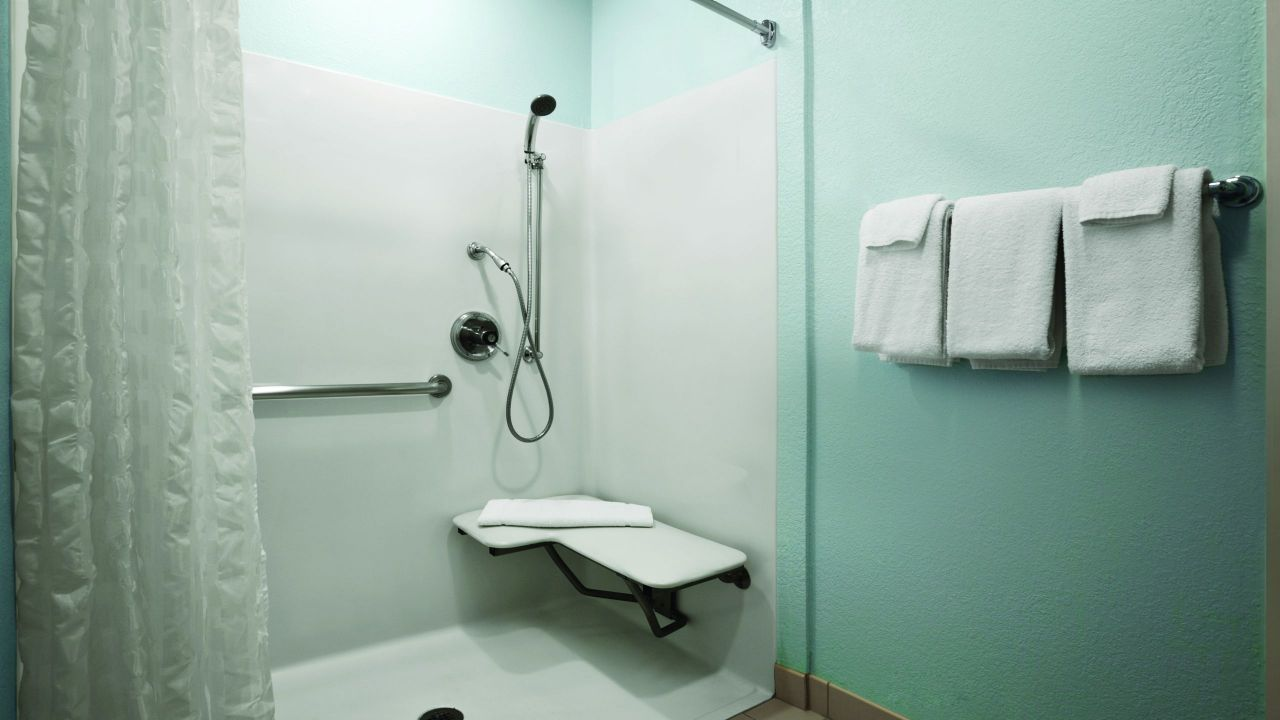 Accessible King / Queen Bathroom