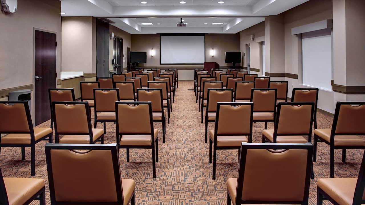 Gathering Room at Hyatt House Atlanta/Cobb Galleria