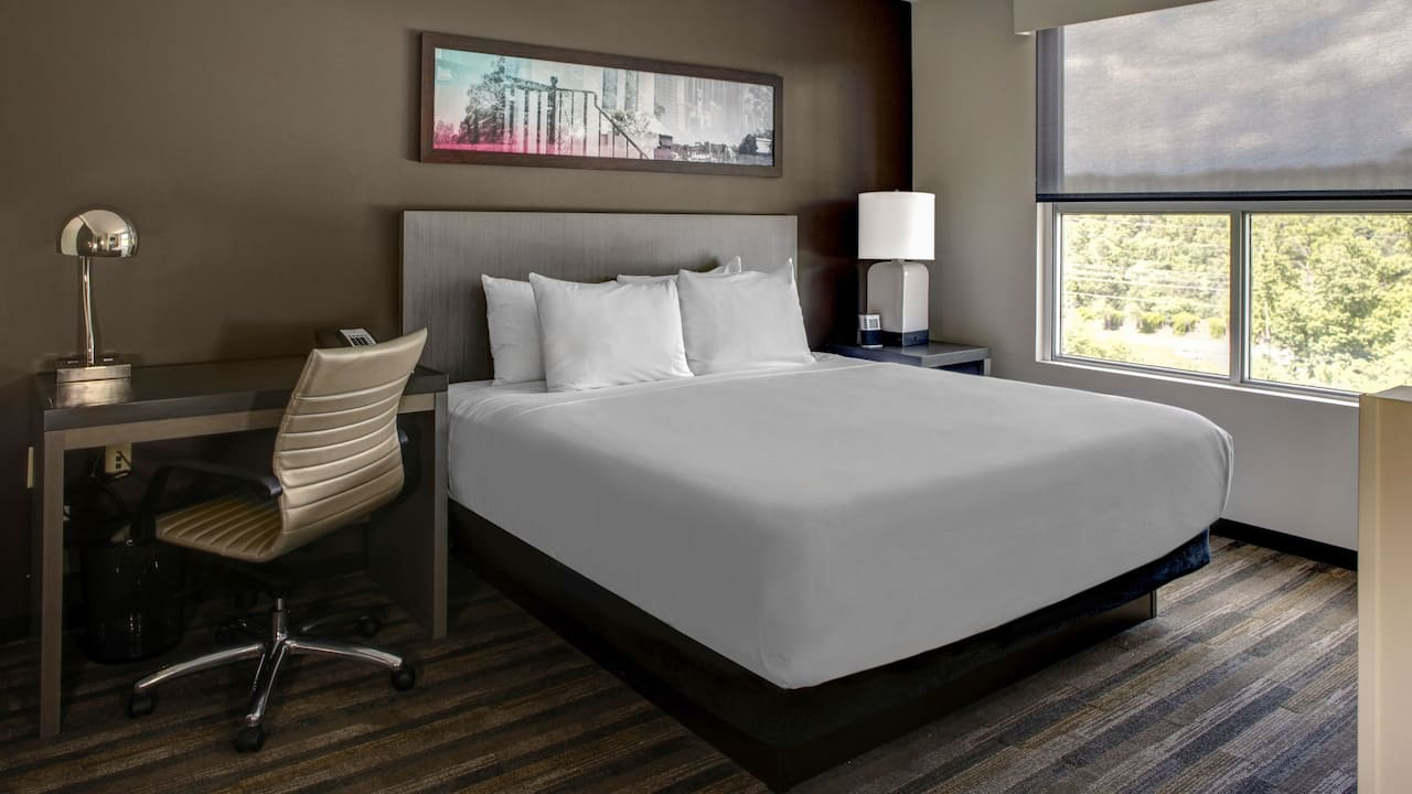 Grand King Bed Hyatt House Atlanta/Cobb Galleria