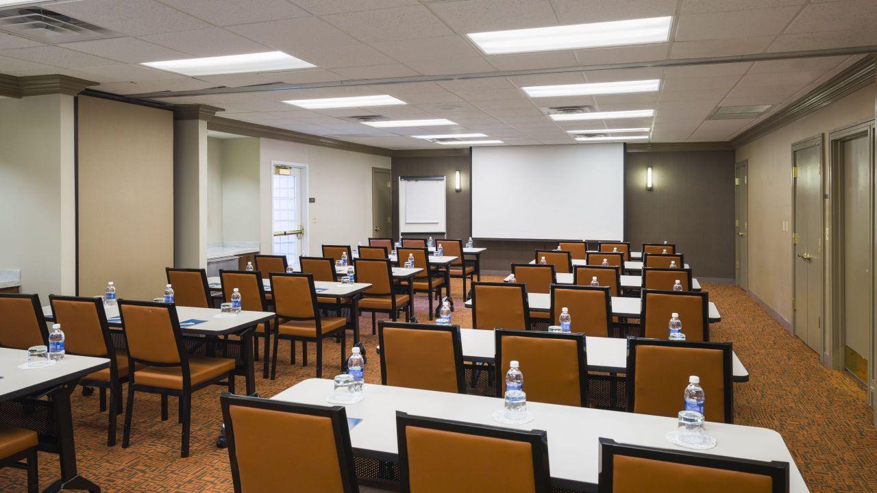 Meeting Room/Classroom
