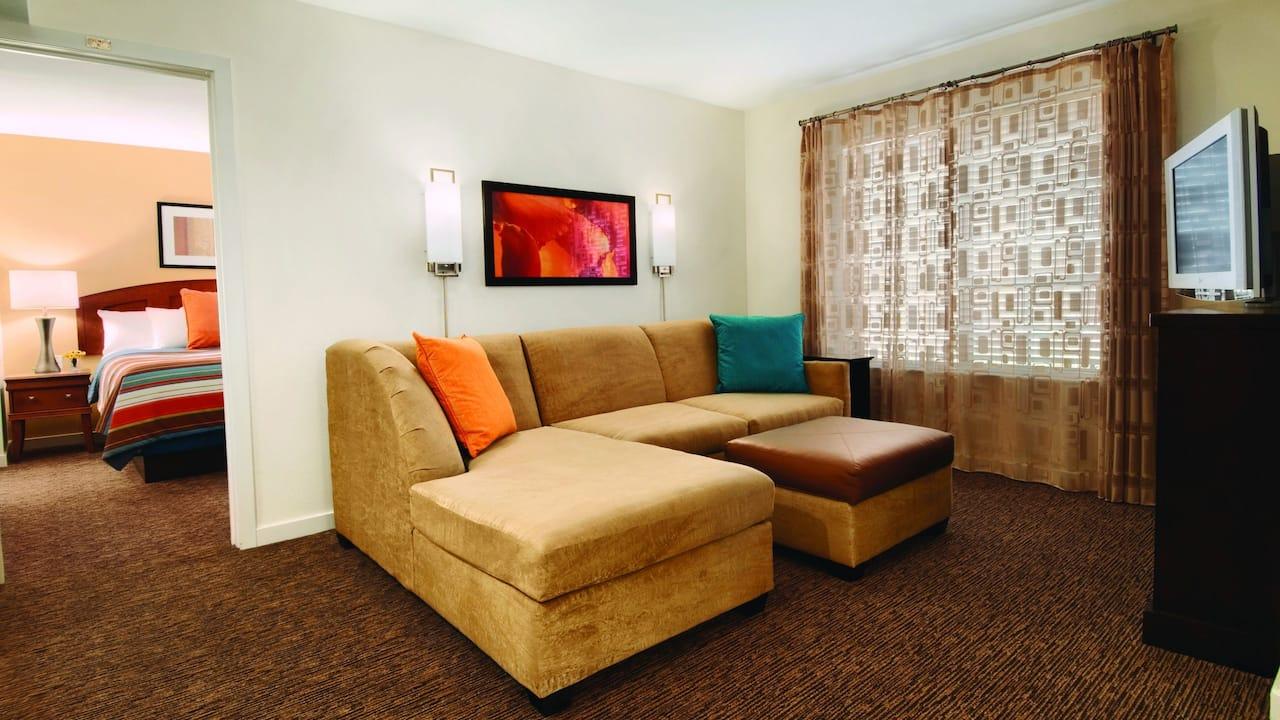 HYATT HOUSE BOSTON/WALTHAM | Living Room & Bedroom