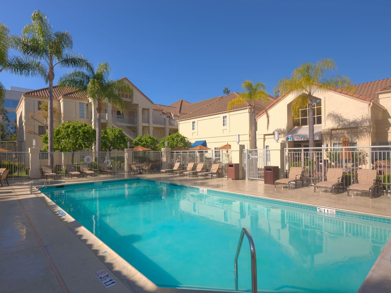 Hyatt House Los Angeles / El Segundo pool