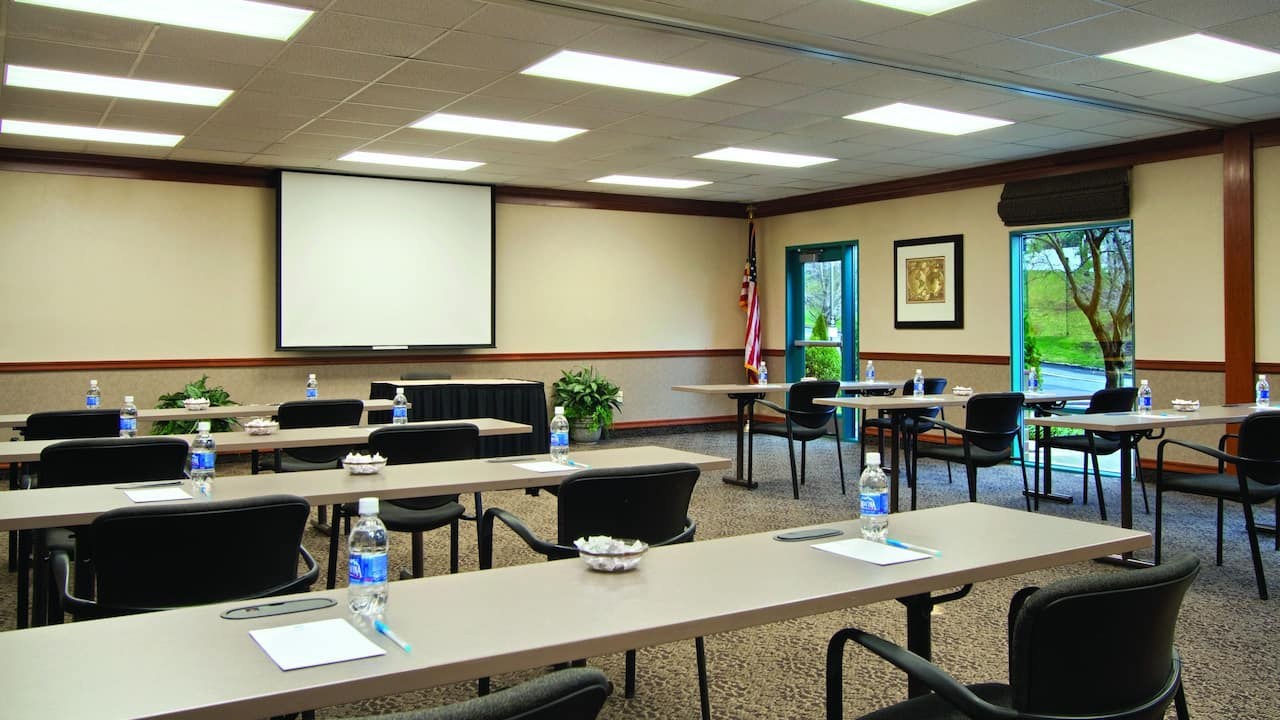 Hyatt House White Plains meeting room