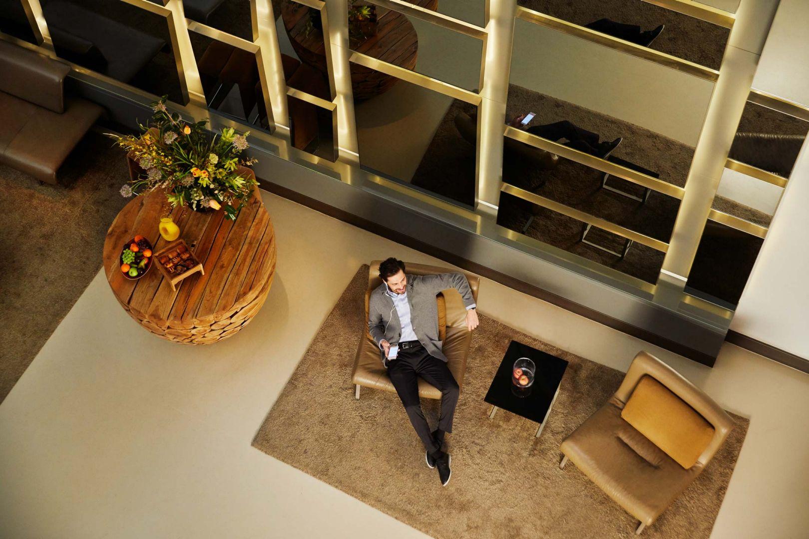 Hyatt House White Plains lobby