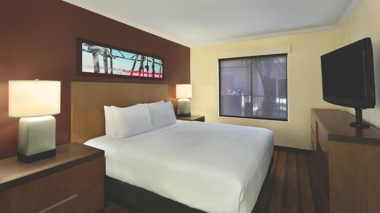 Hyatt House San Diego / Sorrento Mesa King Bed