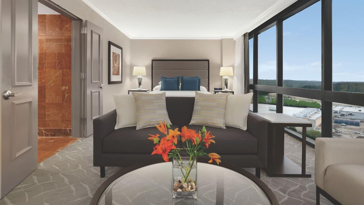 Hyatt Regency Birmingham – The Wynfrey Hotel Suite