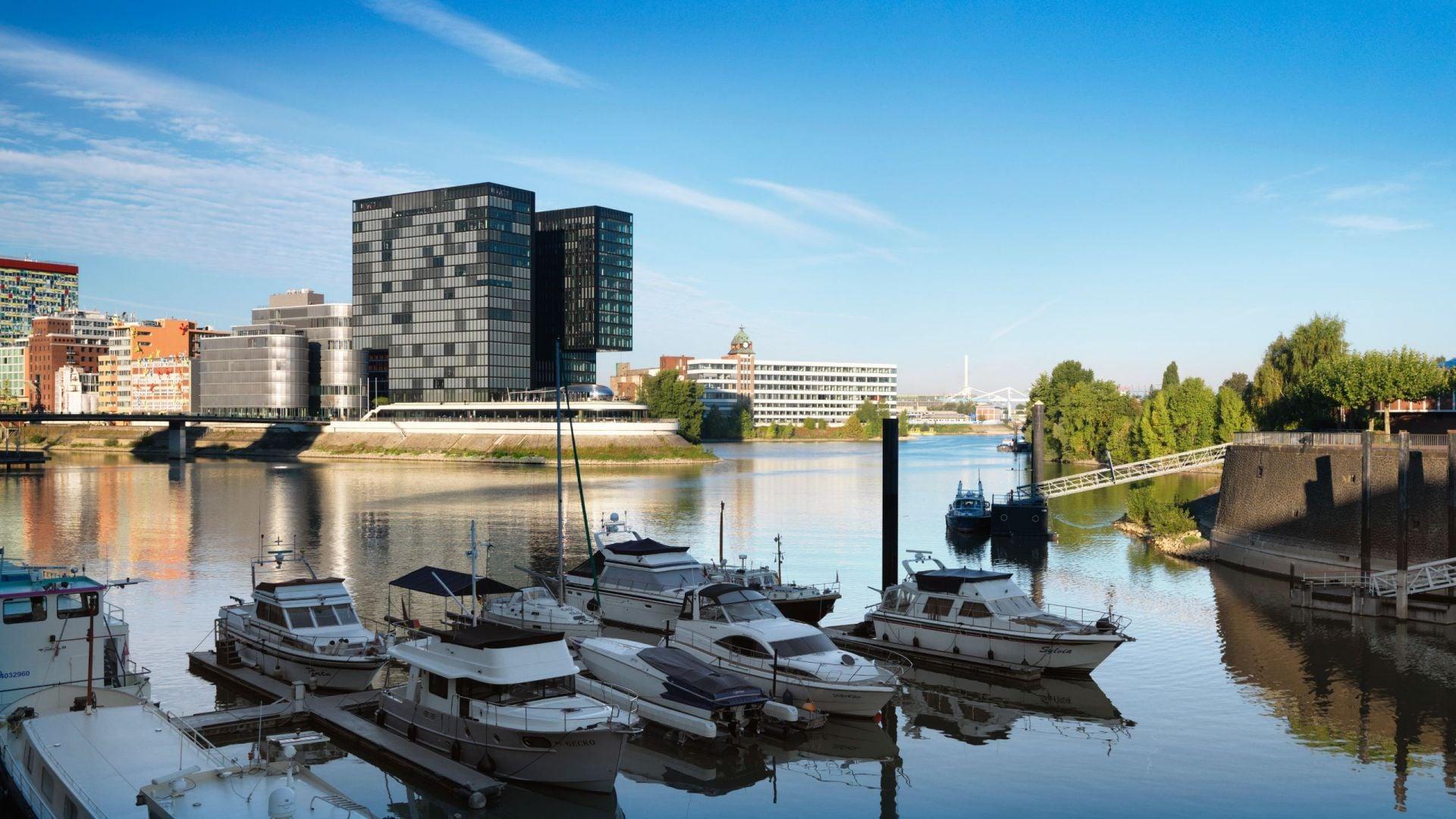 Hyatt Regency Dusseldorf exterior daytime
