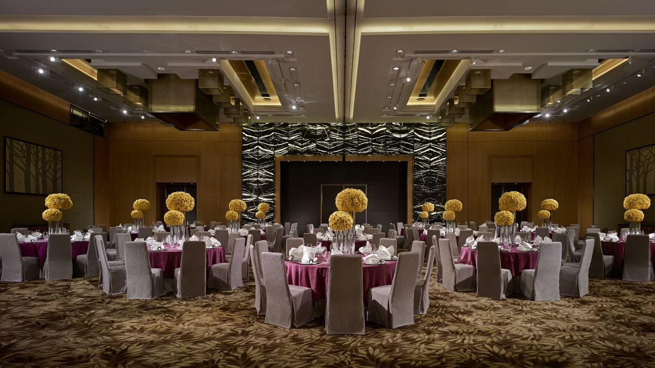 Regency Ballroom with Yellow Flowers