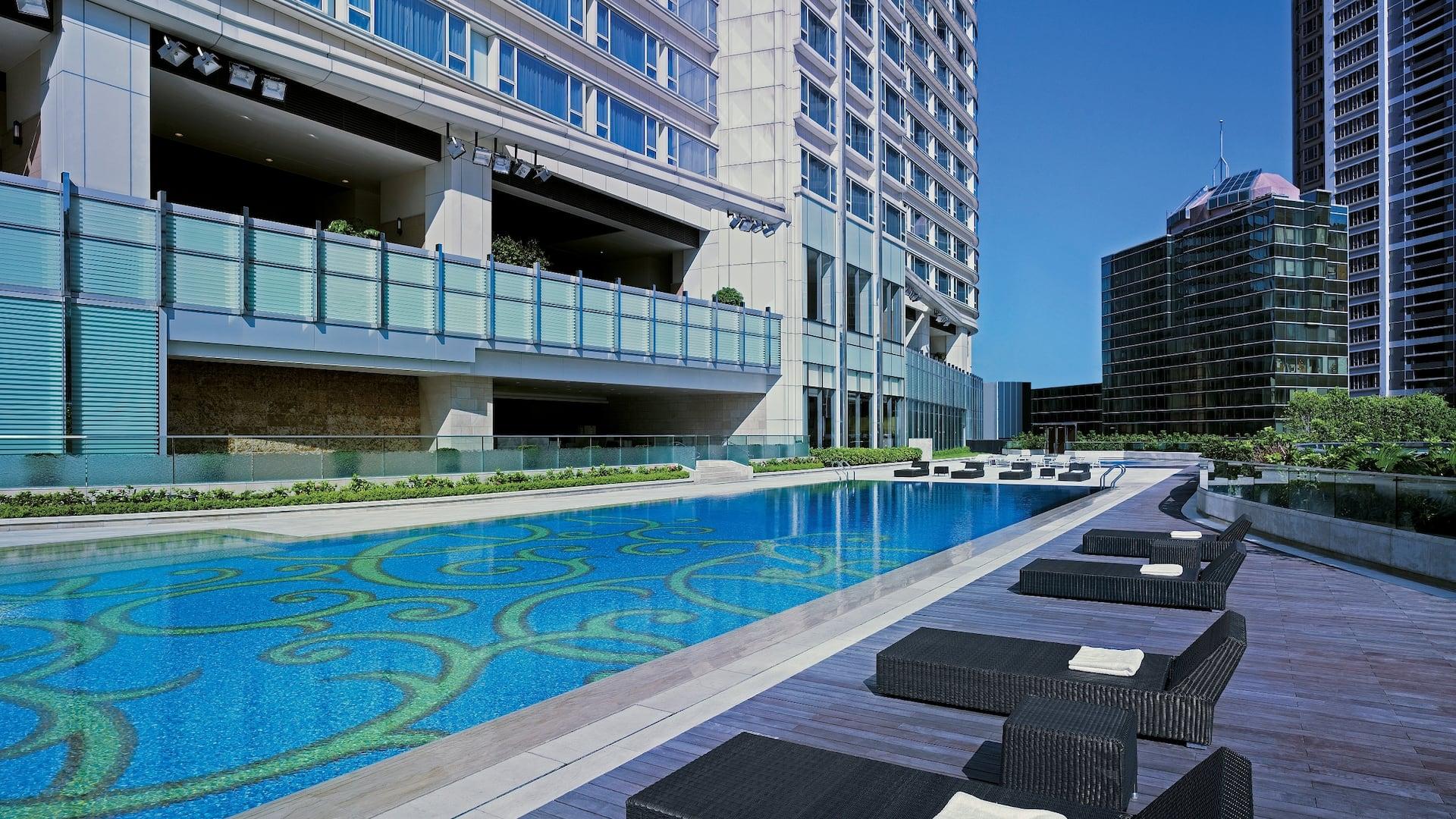 Hyatt Regency Tsim Sha Tsui Outdoor Heated Swimming Pool