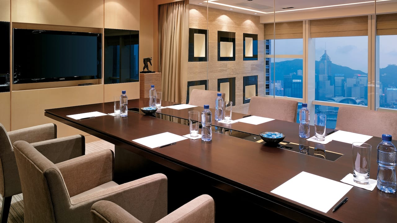 Regency Club Lounge Meeting Room