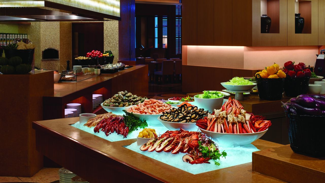 seafood buffet on ice