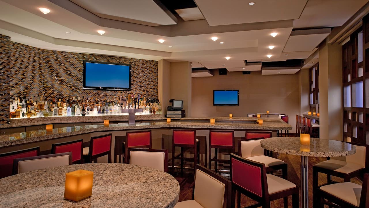 bar at hyatt regency milwaukee