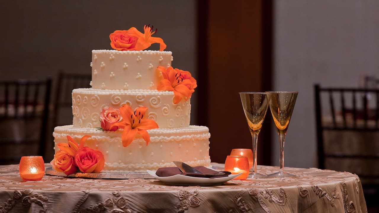 Hyatt Regency Washington on Capitol Hill Wedding Cake