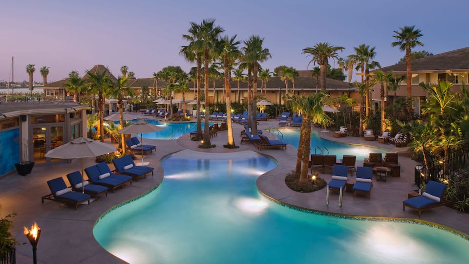 Hyatt Regency Mission Bay Resort - One of the top 5 family-friendly resorts in San Diego that are surprisingly affordable! Kid-Friendly vacation hotels in SoCal. Dog-friendly too!