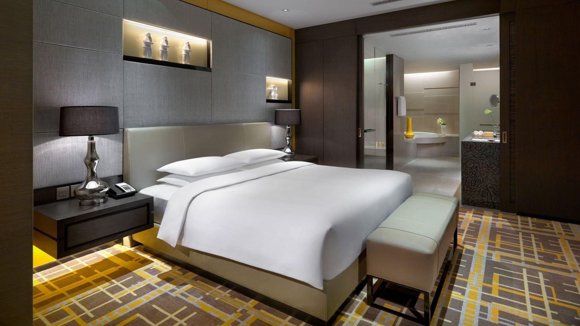 Regency Suite bedroom