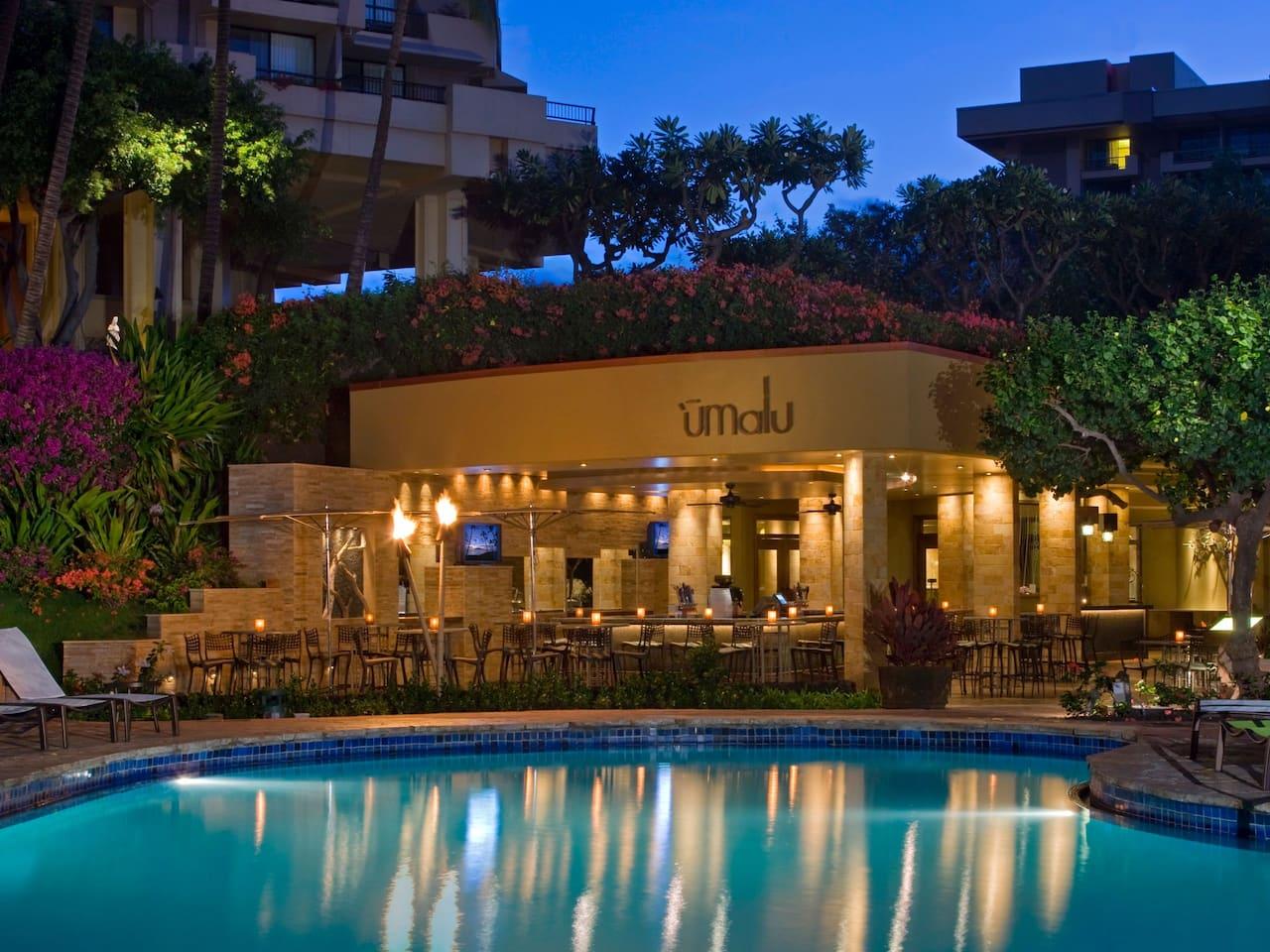 Restaurant near the pool area at Hyatt Regency Maui Resort and Spa