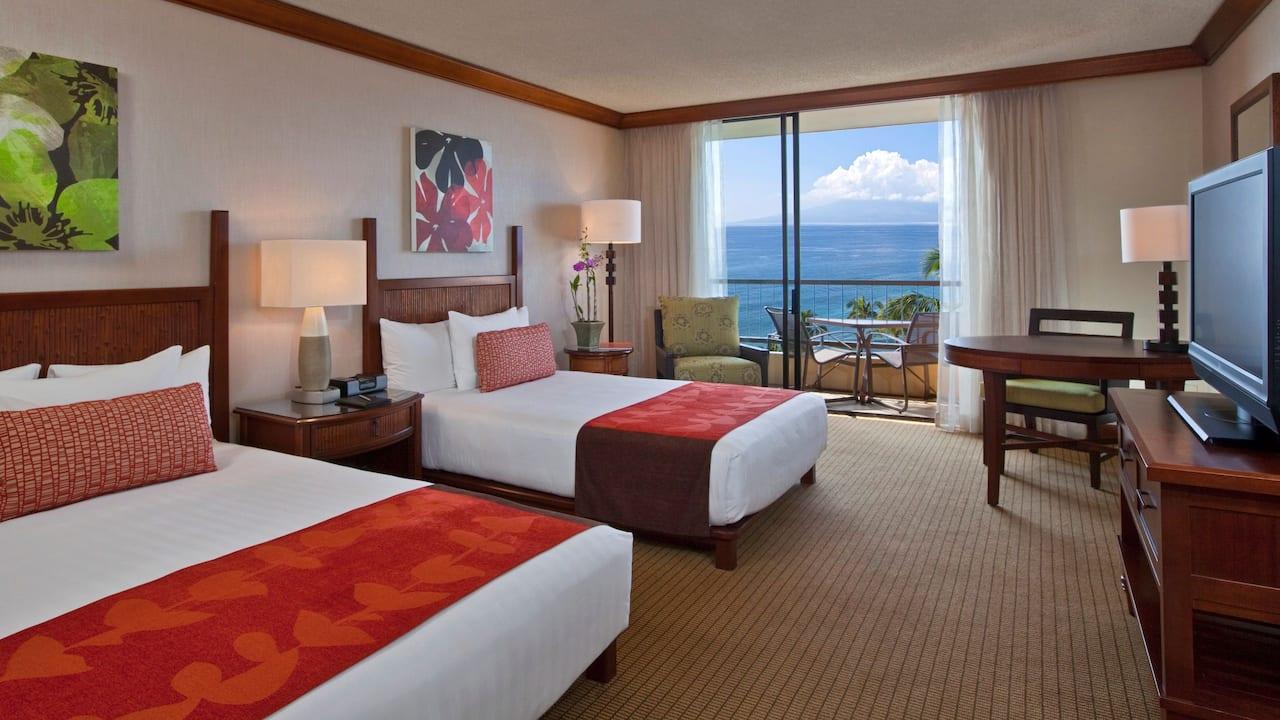 Room with Queen and Double Bed Oceanfront Hyatt Regency Maui Resort and Spa