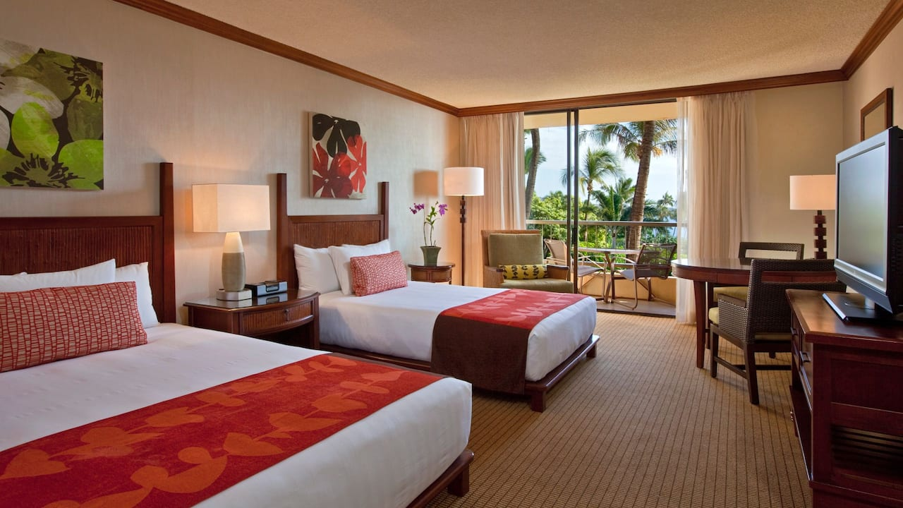 Partial Ocean View Room with Queen and Double Bed Hyatt Regency Maui Resort and Spa