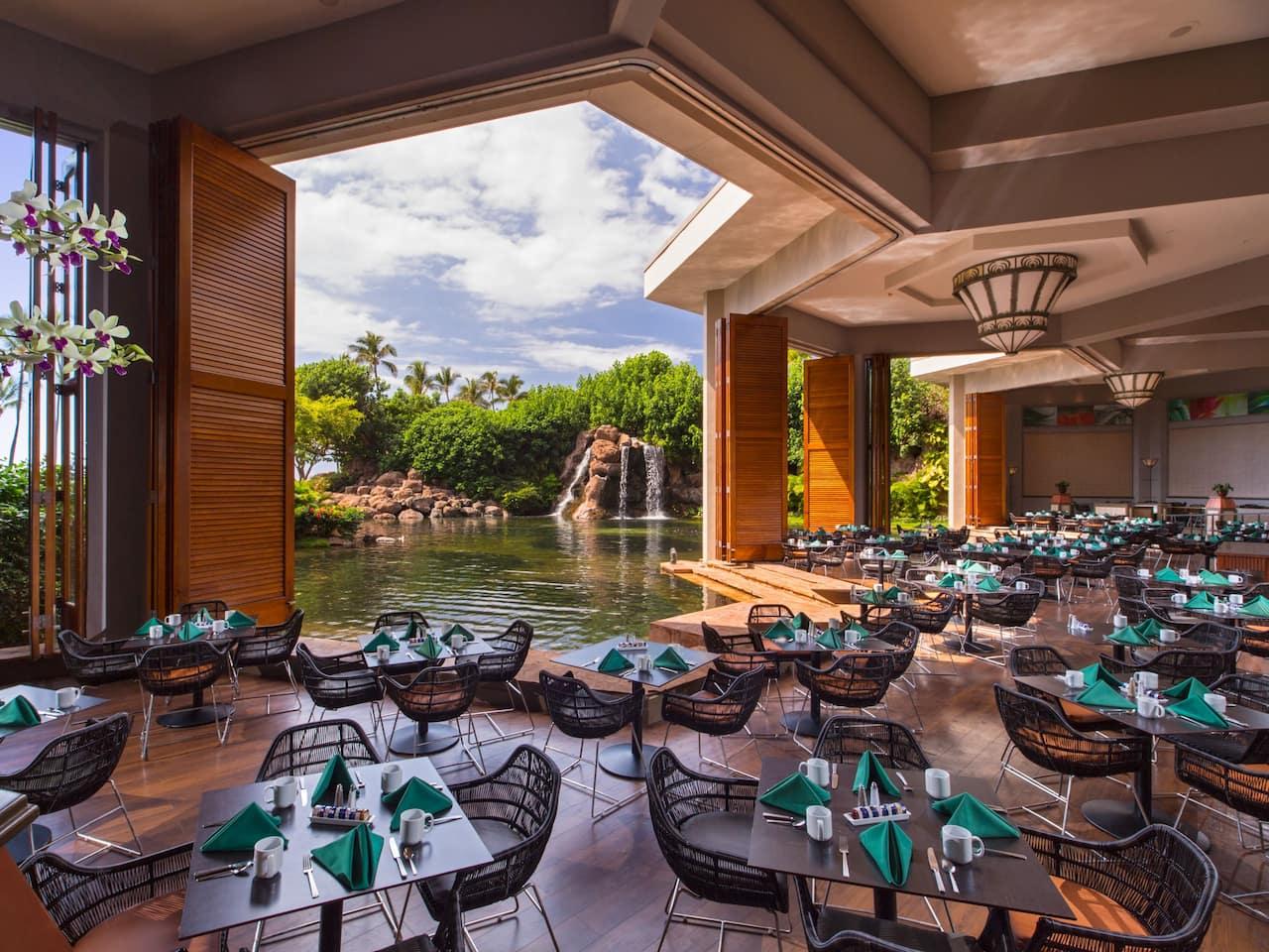 Outdoor breakfast area at Hyatt Regency Maui Resort and Spa