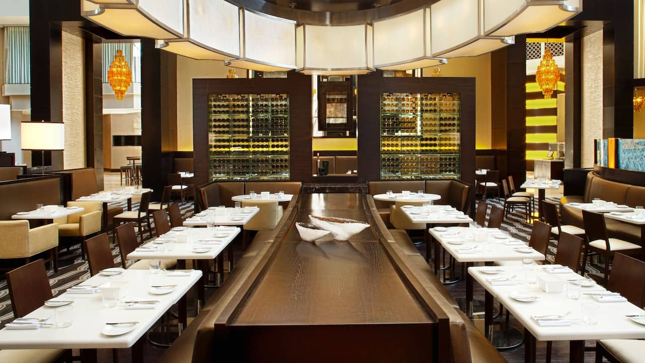 8 Block Restaurant at Hyatt Regency New Orleans
