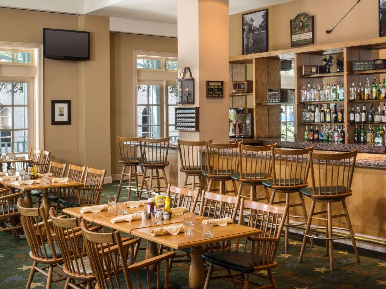 Cactus Oak Bar Hyatt Regency Hill Country Resort and Spa