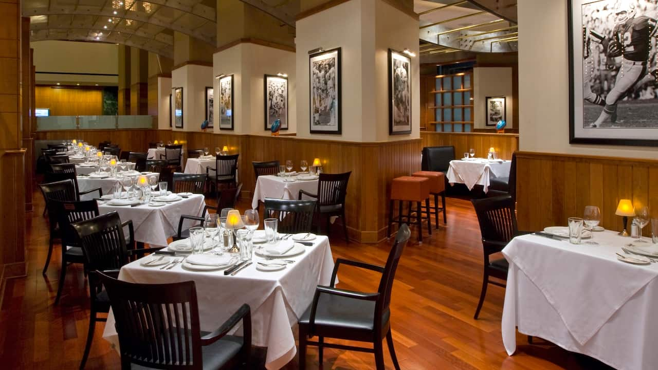 Hyatt Regency Houston Restaurant Tables