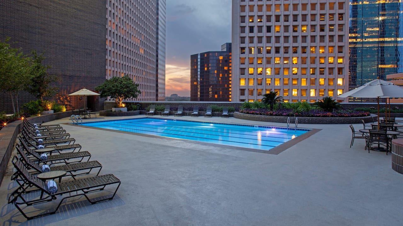 Hyatt Regency Houston rooftop pool