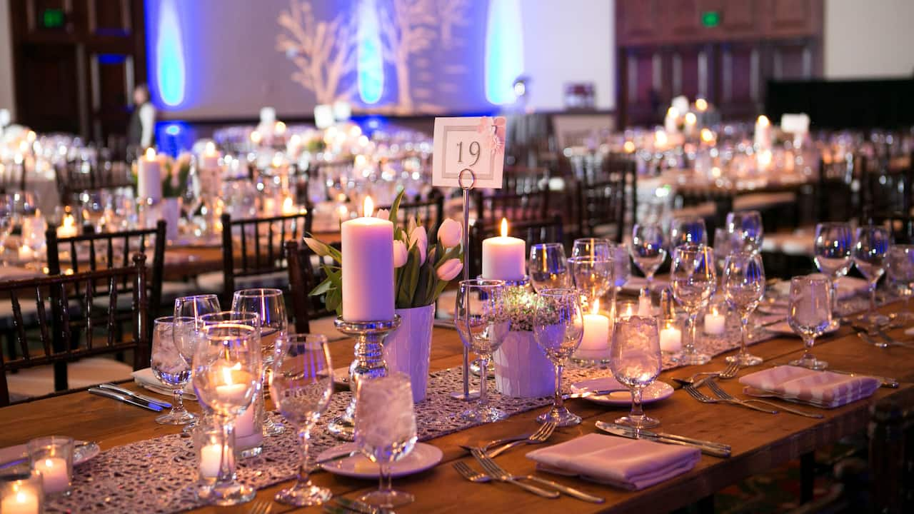 Table arrangement for wedding reception