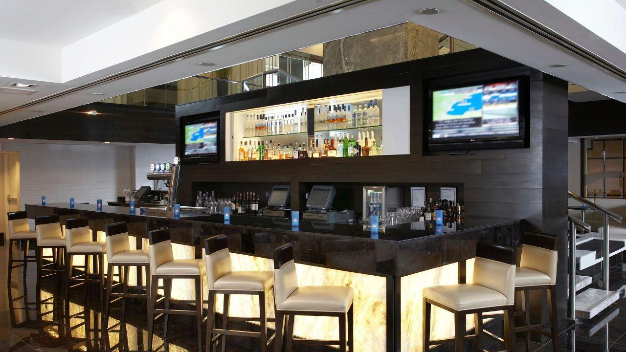 Hyatt Regency Toronto Hotel Bar