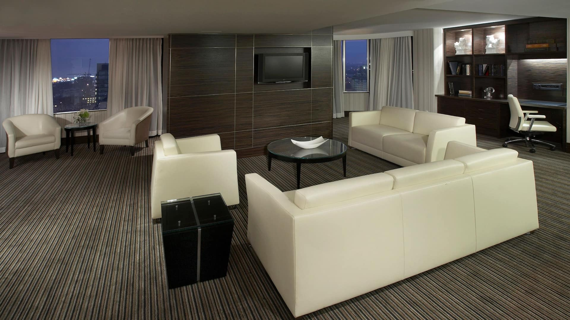 Hyatt Regency Toronto Suite
