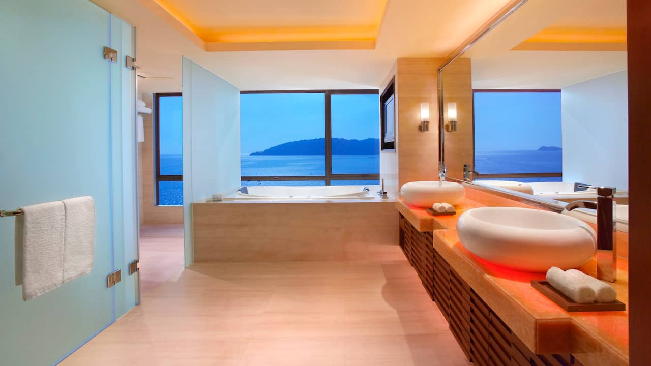 Hyatt Regency Kinabalu Presidential Suite Marble Bathroom with Whirlpool Tub
