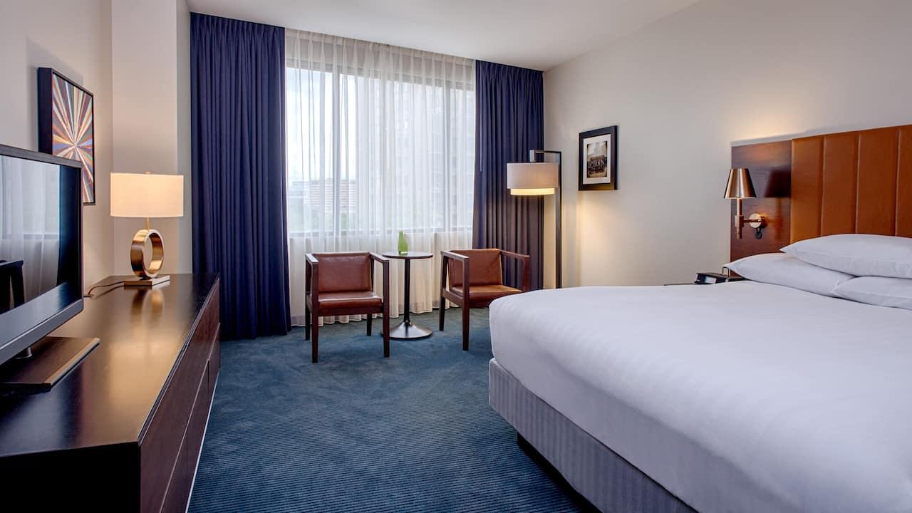 1 King Bed Room Hyatt Regency Minneapolis