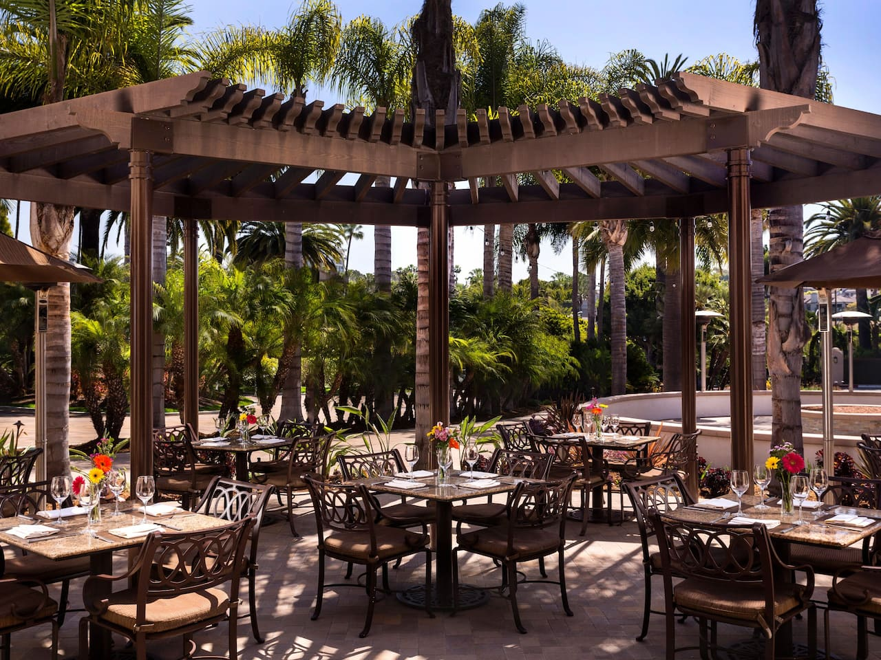 Hyatt Regency Newport Beach Outdoor Dining