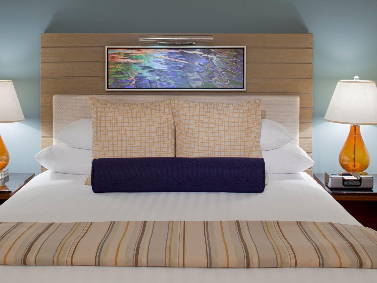 Model Room King Detail