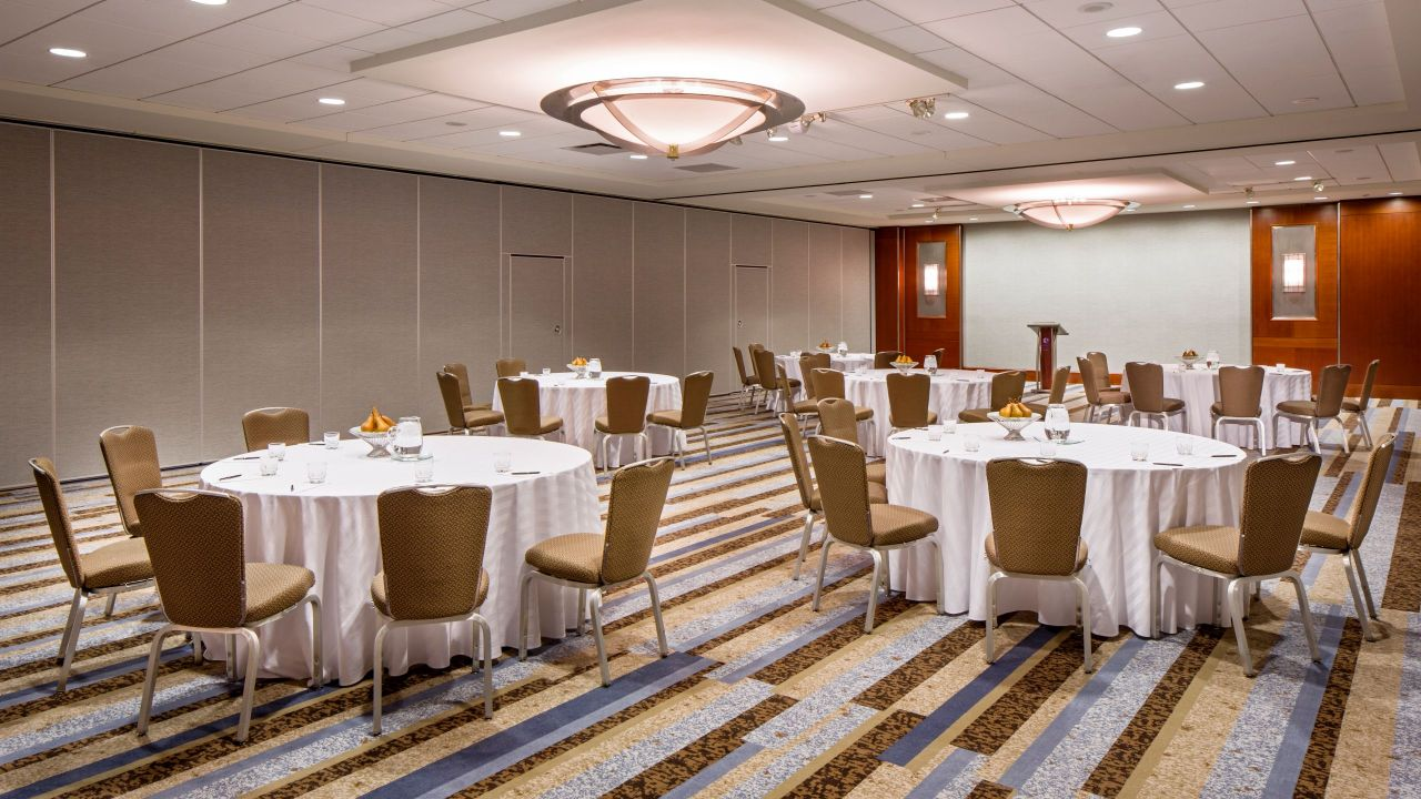 Chicago Meeting Rooms – Columbus Hall at Hyatt Regency Chicago