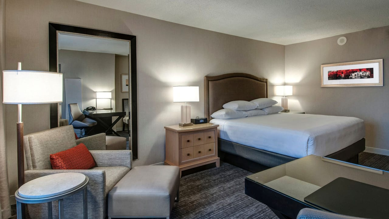Room with Kingbed and armchair at Hyatt Regency Reston