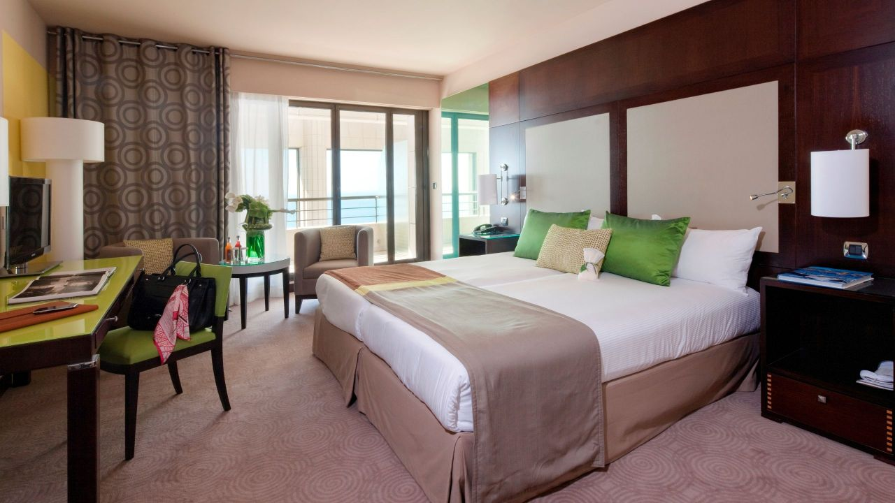 Twin Beds Sea View Deluxe