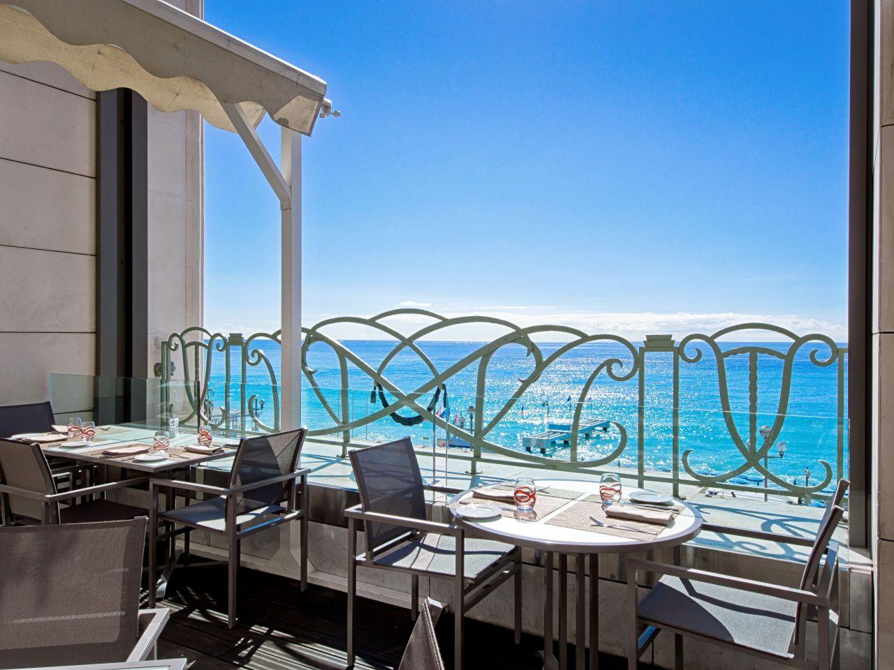 3e Restaurant Terrace