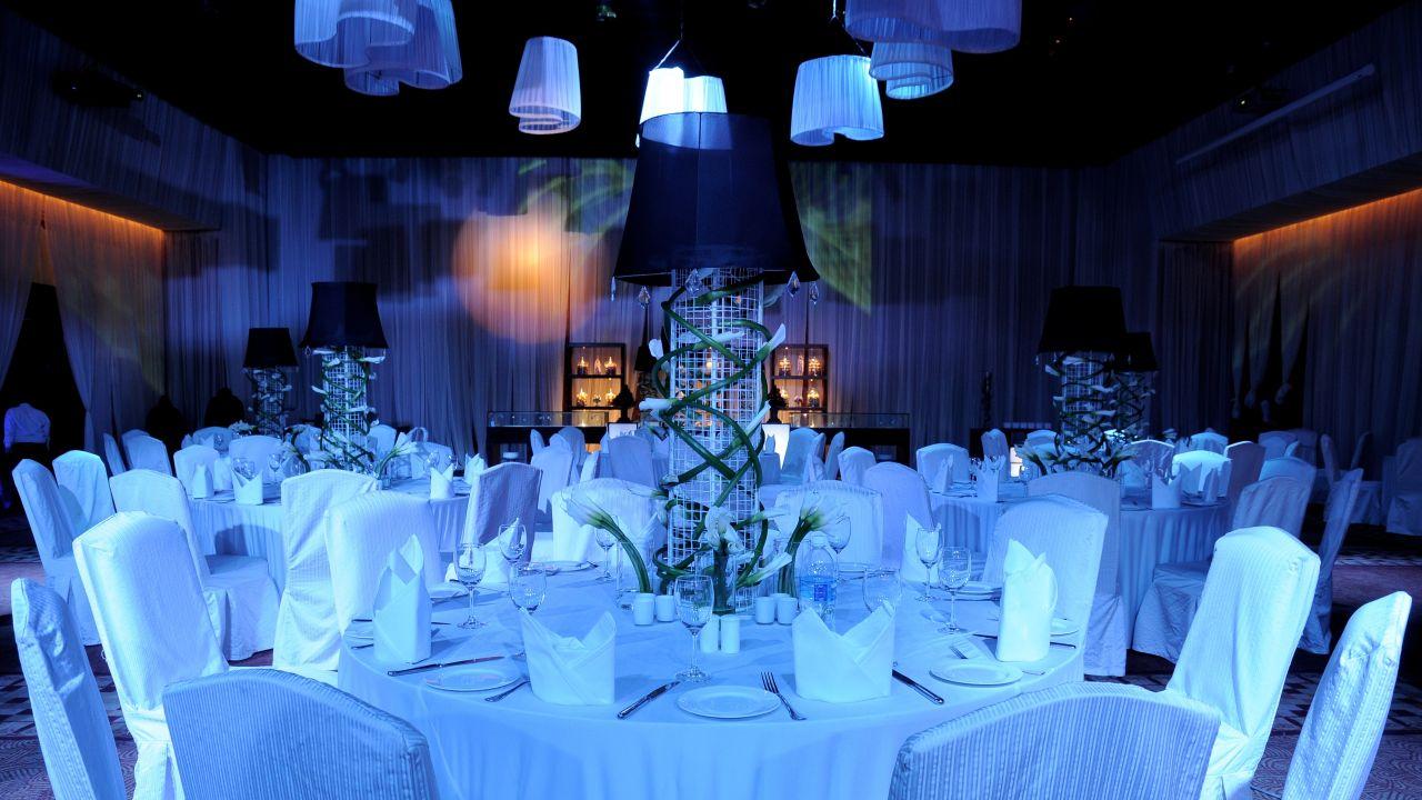 Sit Down Dinner Wedding Setup