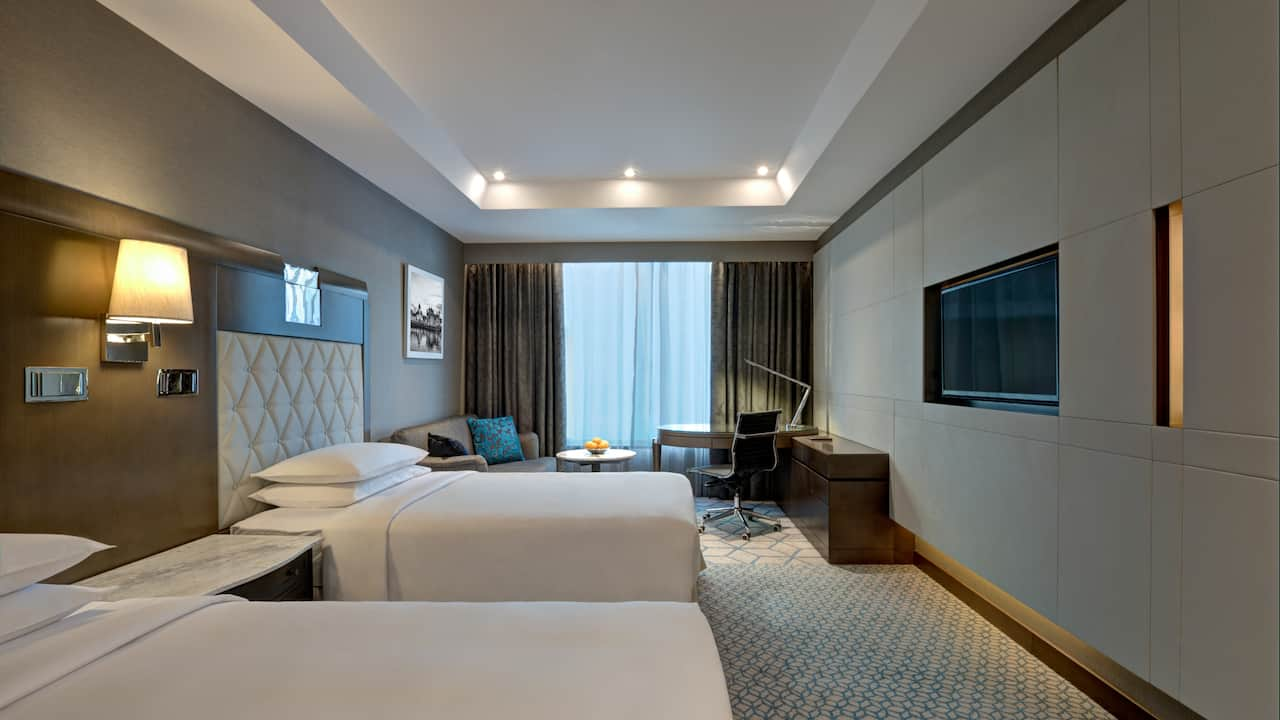 twin room with club access
